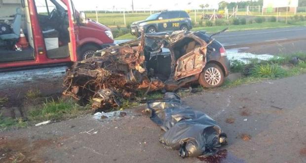 Motorista de 19 anos morre após colisão frontal com carreta na BR-163