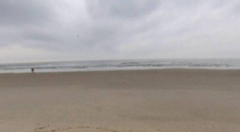 Homem desaparece no mar ao tentar salvar filha de seis anos
