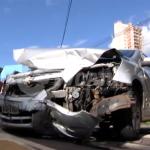 Três pessoas são encaminhadas ao hospital após acidente no centro de Umuarama