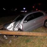 Motorista perde o controle e colide contra poste na PR-323