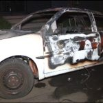 Homem coloca fogo no próprio carro durante momento de fúria em Umuarama