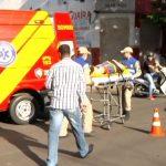 Acidente entre carro e moto deixa uma mulher ferida em Umuarama