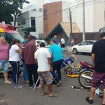 Duas mulheres ficam feridas após colisão entre duas motos em Umuarama