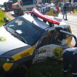 Duas pessoas ficam feridas em acidente envolvendo viatura da PM