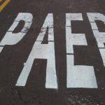 Erro em sinalização chama atenção de moradores e viraliza