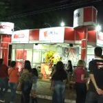 Rádios Aline e Bianca FM promovem churrasco em estande na Expo Umuarama