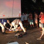 Motociclista fica ferido após colidir contra caminhão parado em Umuarama