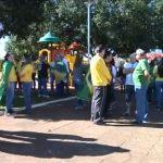 Centenas de pessoas participam de ato a favor do presidente Jair Bolsonaro em Umuarama