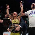 Jéssica Bate-Estaca nocauteia Rose Namajunas e conquista cinturão do UFC
