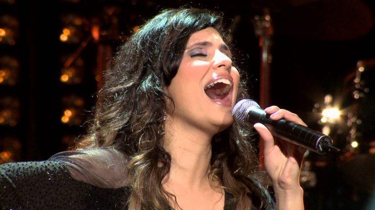 Cantora gospel Aline Barros fará show em Umuarama