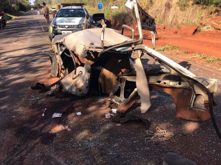Grave acidente entre caminhão e três carros deixa feridos na PR-082