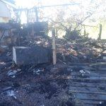 Vendedor de frutas tem barraca destruída após incêndio em Umuarama