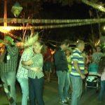 Moradores realizam festa junina no Córrego Longe, em Umuarama