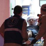 Acidente envolvendo carro, carreta e ônibus deixa homem ferido na PR-323