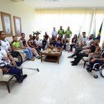 Prefeito recebe os Tigres, campeões de basquete nos Jogos Paradesportivos