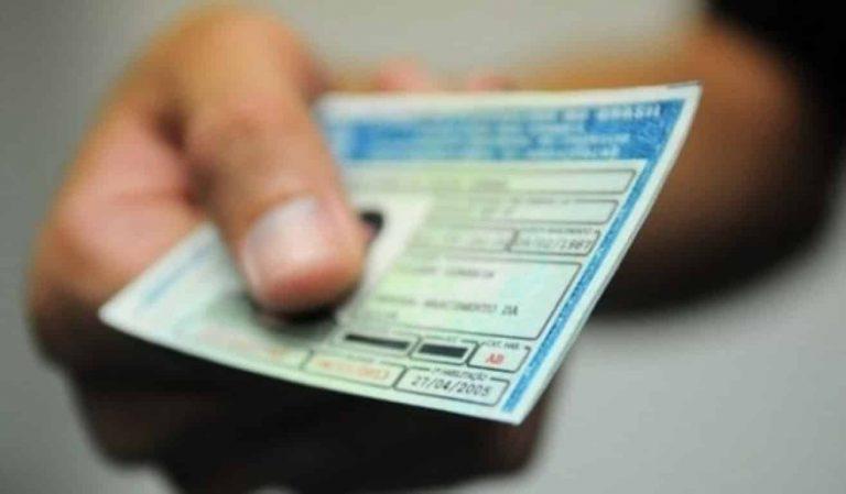 Proibição de dirigir vigora mesmo sem entrega da CNH