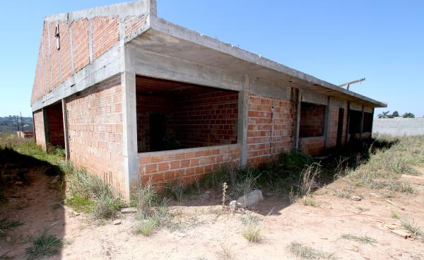 Assembleia estuda proibir inauguração de obras inacabadas no Paraná