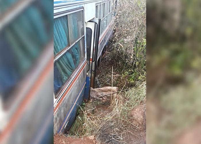 Acidente com ônibus de trabalhadores é registrado na Estrada 215