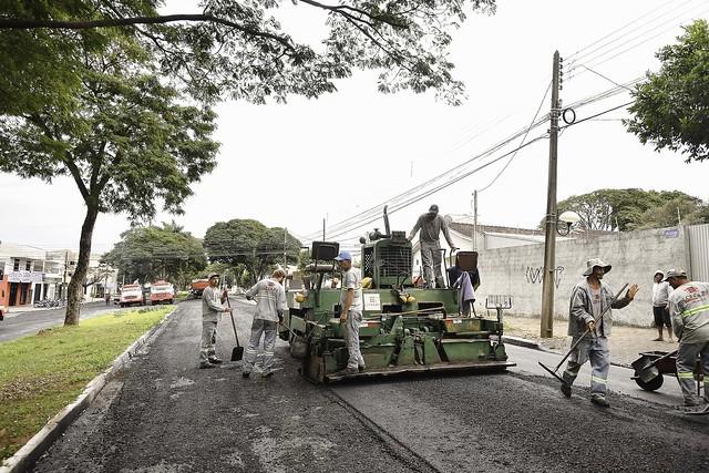 Recapeamento da Avenida Apucarana será finalizado dentro do prazo