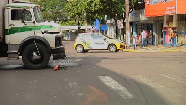 Motorista é socorrido após acidente envolvendo seis veículos em Umuarama