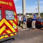 Motorista perde o controle e bate em poste na avenida Vitória