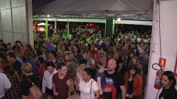 Abertura da 44ª Feira Ponta de Estoque reúne milhares de pessoas