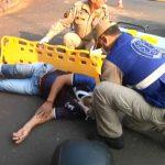 Colisão entre moto e caminhonete deixa homem ferido em Umuarama