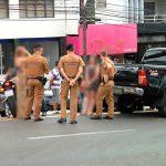 Mulheres brigam após acidente de trânsito no centro de Umuarama