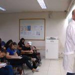 Conheça a história de Alexandre Rodrigues, professor que há 20 anos se dedica na profissão