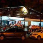 Casa do Espetinho oferece bebidas, espetinhos e porções com preços especiais