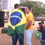 Manifestação em apoio ao governo Bolsonaro é realizada na praça Miguel Rossafa