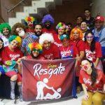 No dia do riso, voluntários levam alegria para pacientes em hospital de Umuarama