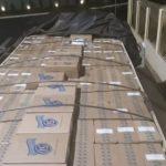 PM apreende carreta carregada com cigarros contrabandeados em Umuarama