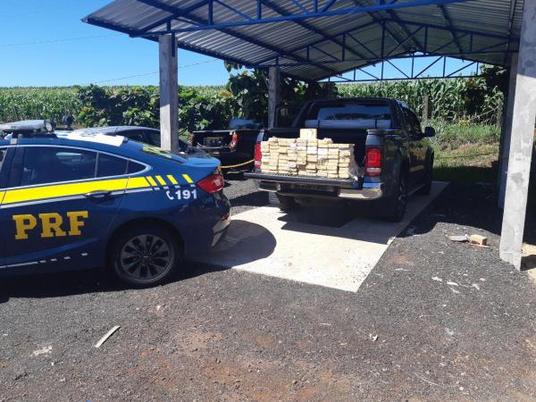 PRF prende primos com 92 quilos de pasta base de cocaína em estrada do Paraná
