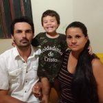 Criança de 2 anos com tumor na cabeça precisa de cirurgia e família pede ajuda