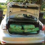 PM apreende carro roubado com mais de 300 quilos de maconha no Oeste