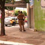 Criminosos arrombam porta de estabelecimento comercial e furtam R$ 1 mil em produtos