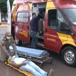 Colisão entre carro e moto deixa uma pessoa ferida em Umuarama