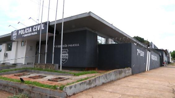 Suspeitos de assaltar residência e fazer família refém são presos pelo GDE