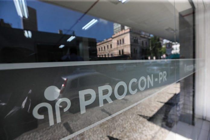 Procon-PR notifica comércio e fabricantes de laticínios