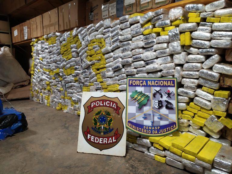 Polícia Federal apreende 1,6 tonelada de maconha em Ivaté