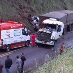 Grave acidente entre Ivaté e Serra dos Dourados deixa duas pessoas feridas