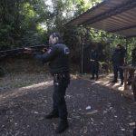 Agentes da Guarda Municipal passam por treinamento com arma longa