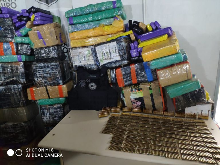 Polícia apreende mais de uma tonelada de maconha, munições e veículos em Altônia