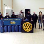 Rotary faz doação de álcool líquido 70% para Secretaria da Saúde e hospitais