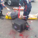 Motoboy fica ferido após colidir contra caminhão na PR-323, em Umuarama