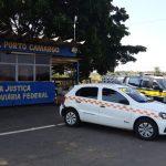 PRF apreende mais de 50 quilos de maconha dentro de táxi em Alto Paraíso