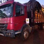 BPFron apreende caminhão carregado com 30 mil pacotes de cigarros em Santa Helena