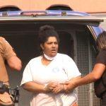 Mulher acusada de matar vizinha e criança a facadas é condenada a 16 anos de prisão