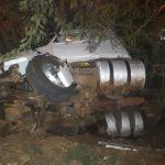 Colisão envolvendo carretas deixa um ferido e provoca bloqueio da rodovia entre Umuarama e Ivaté